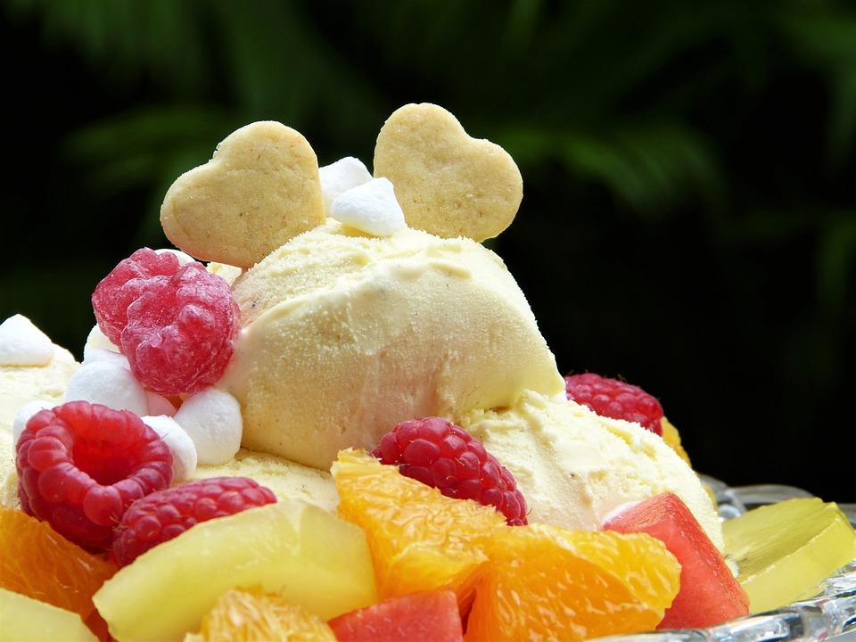 アイスクリームができちゃうボール アウトドアの面白グッズ